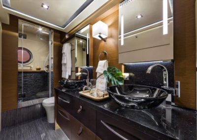 65 Searay yacht master bathroom