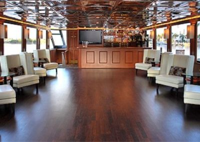 100 Skipperliner party yacht longe and bar