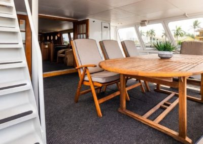 91 Striker party yacht aft deck dining