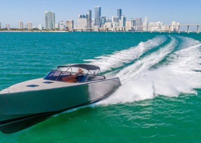 40 VanDutch yacht cruising in Miami
