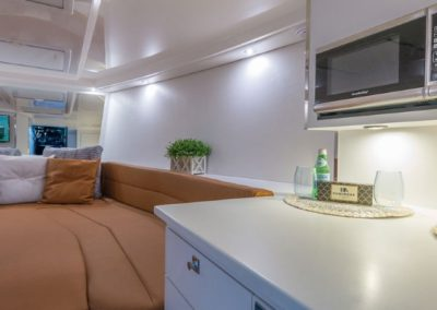 40 VanDutch yacht lower deck cabin