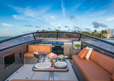 40 VanDutch yacht dining