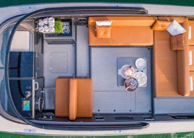 40 VanDutch yacht deck seatings
