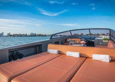 40 VanDutch yacht aft deck sunpads