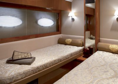 60 Viking yacht twin bed cabin