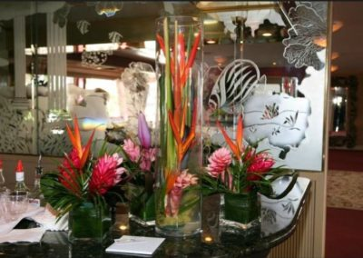 170 Swiftship party yacht custom flower arrangement