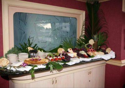 170 Swiftship luxury party yacht apetizer open table