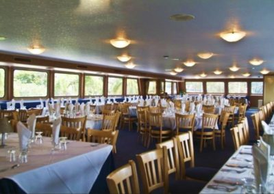 170 Swiftship party yacht event specific dining arrangements