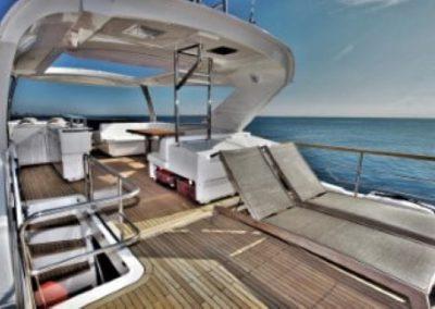 72 Absolute yacht flybridge leisure