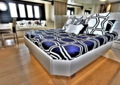 72 Absolute yacht master cabin