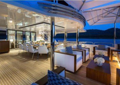 160 Christensen aft deck casual dining