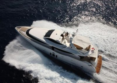 90 Eagle yacht on charter