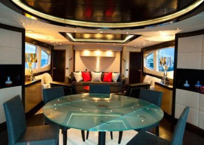 90 Eagle yacht salon dining