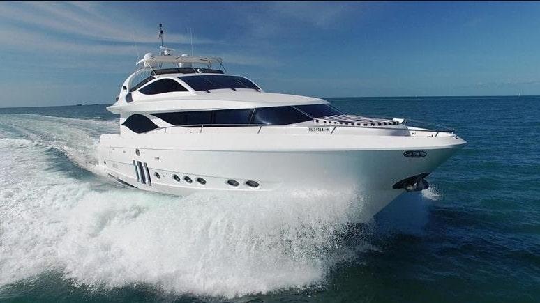90 Eagle Miami charter motor yacht