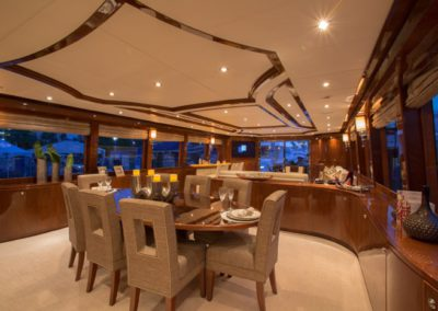 101 Hargrave yacht dining table