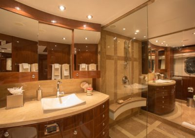 101 Hargrave yacht master bathroom