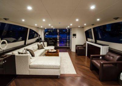 92 Lazzara yacht salon
