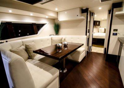 92 Lazzara yacht main dinett