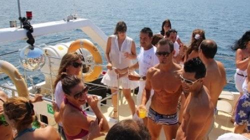 40 Power Catamaran party at anchor