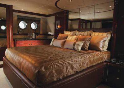 87 Warren yacht master stateroom