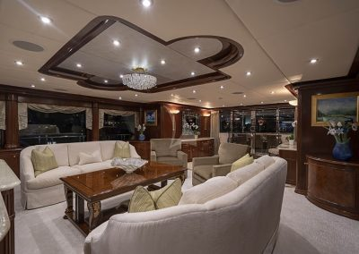 142 Trinity yacht main salon