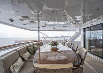 142 Trinity yacht alfresco dining