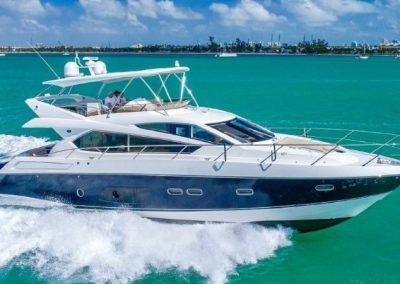66 Sunseeker yacht underway