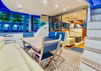 66 Sunseeker yacht alfresco dining