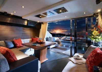 64 Sunseeker yacht salon